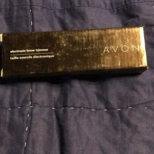 Avon electric brow trimmer. New.
